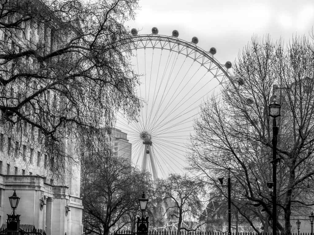 London Eye. Black and White