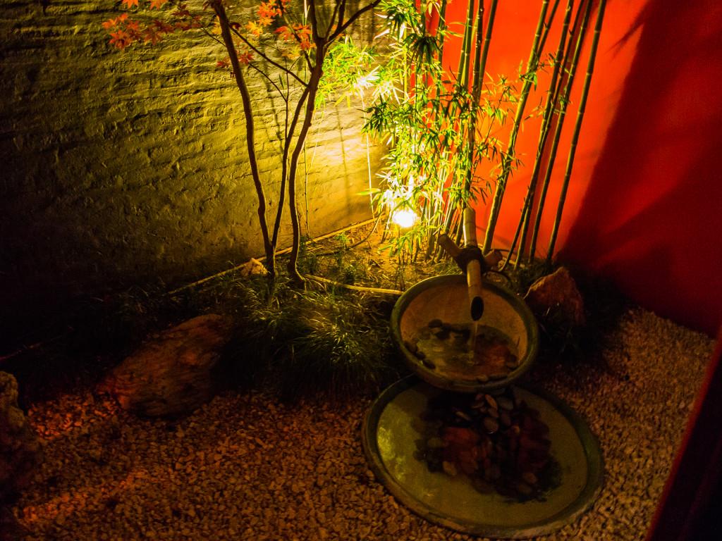 Hotel Blackjack Zen Suite garden area