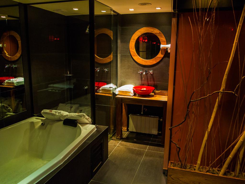 Hotel Blackjack Zen Suite Shower area