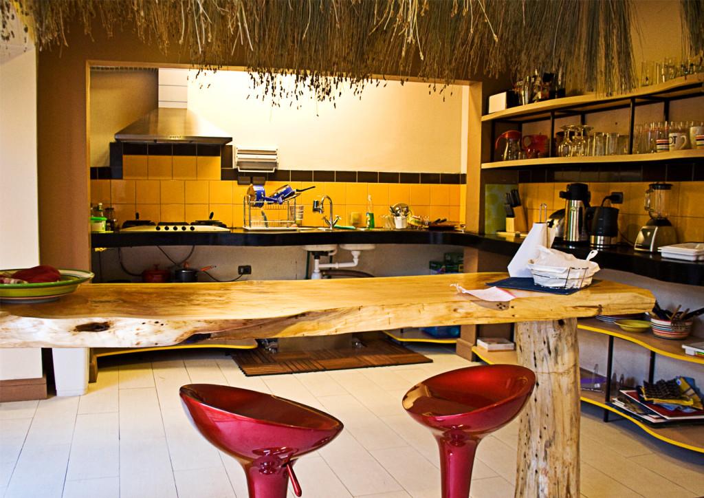 Princesa Insolente Hostel Kitchen