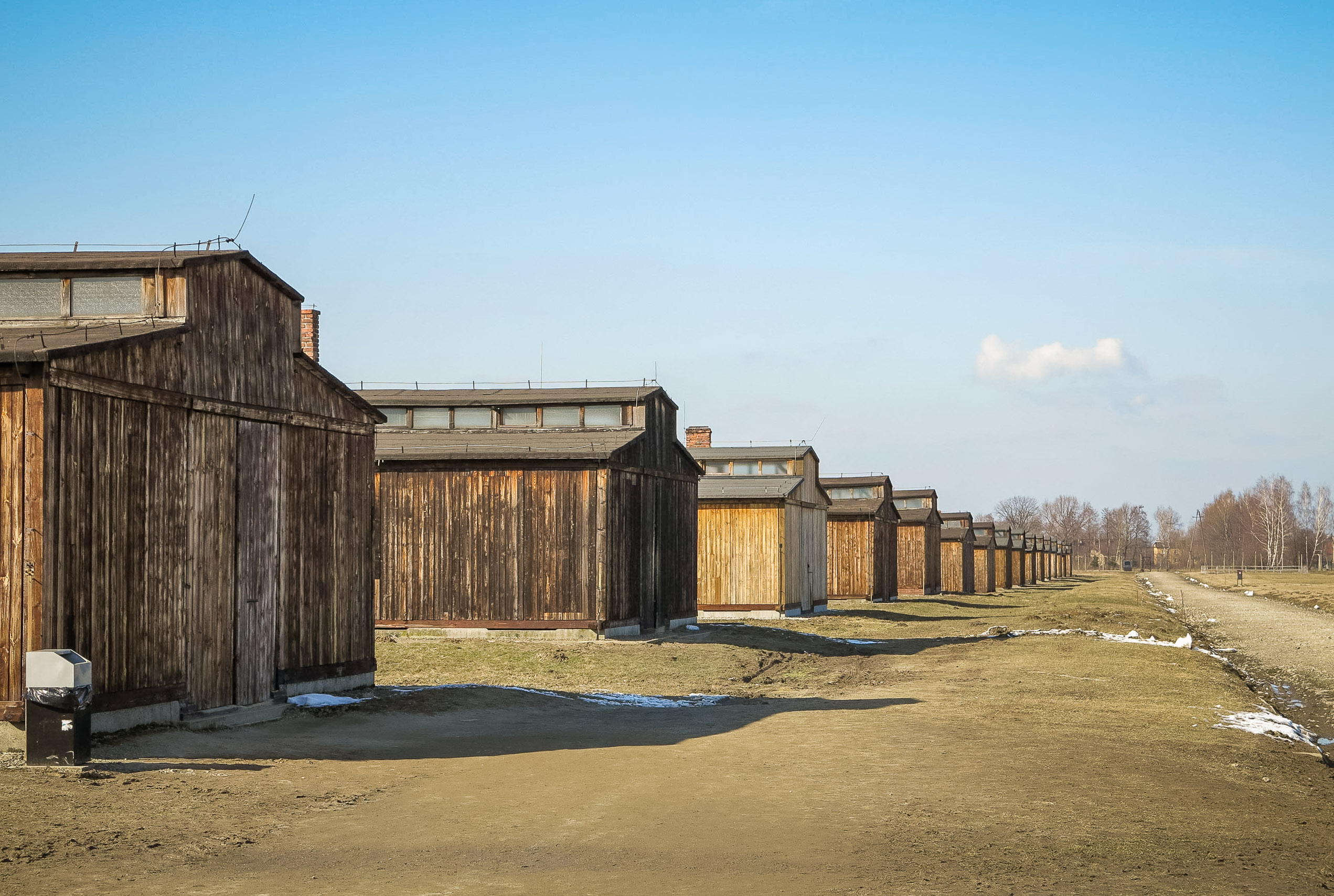 the life in a concentration camp essay Effects of concentration camps essay alive today that can tell horrifying stories of their experience in a concentration camp daily life in concentration camp.