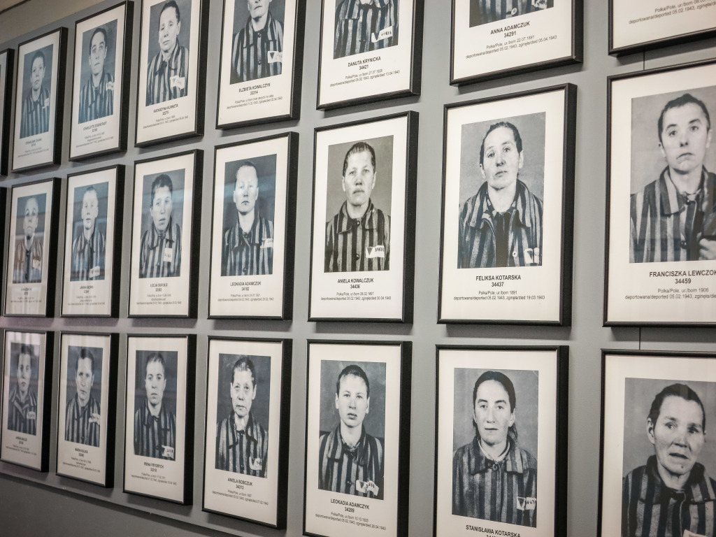 Auschwitz women prisoners Photos