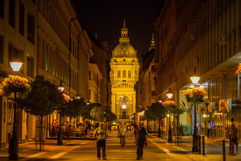 St.Stephens Basilica at night in Budapest