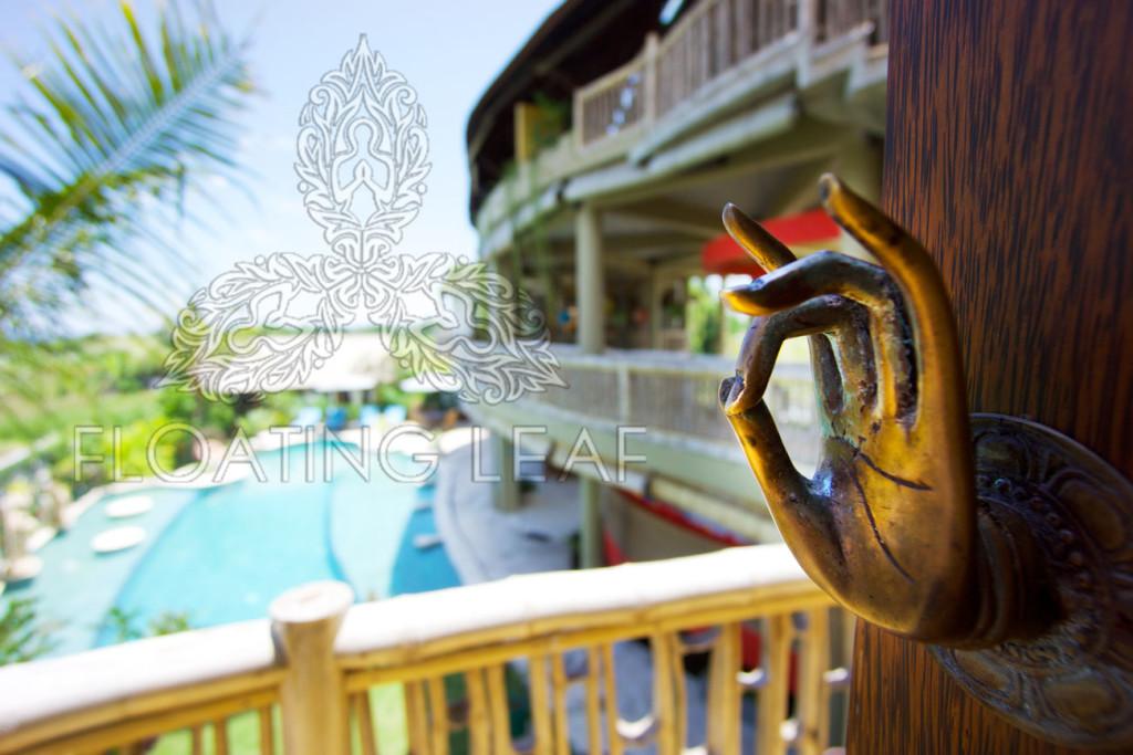Buddha-hotel-hand-door