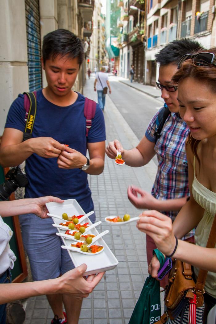 Guest of Devour Barcelona enjoy Tapas at La Botigueta del bon Menjar