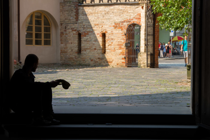 http://minoritynomad.com/wp-content/uploads/2015/11/St.Annes-Church-Vilnius-Lithuania-Beggar-700x467.jpg