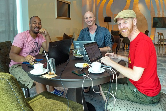 Behind the scenes at bloggers lives. THIS is what we do......for fun...... Workspace meet up with Matthew Karsten (expertvagabond) and Ian Ord (wherethesidewalkends). The hustle is REAL!!!
